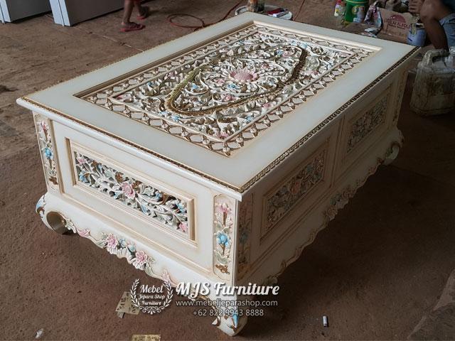 Meja Tamu Ukiran Classic Krawang Jepara