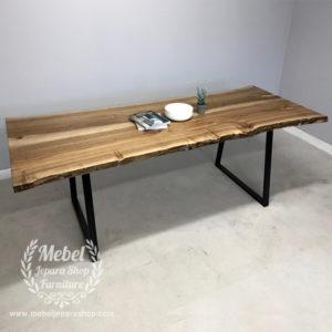 Meja kayu Trembesi Industrial Kaki Besi