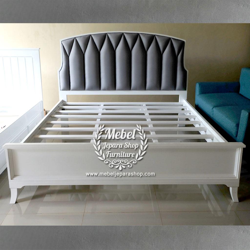 Tempat Tidur Sandaran Kepala Minimalis