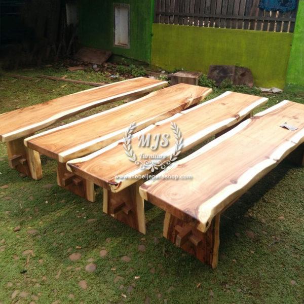 Bangku kayu trembesi solid