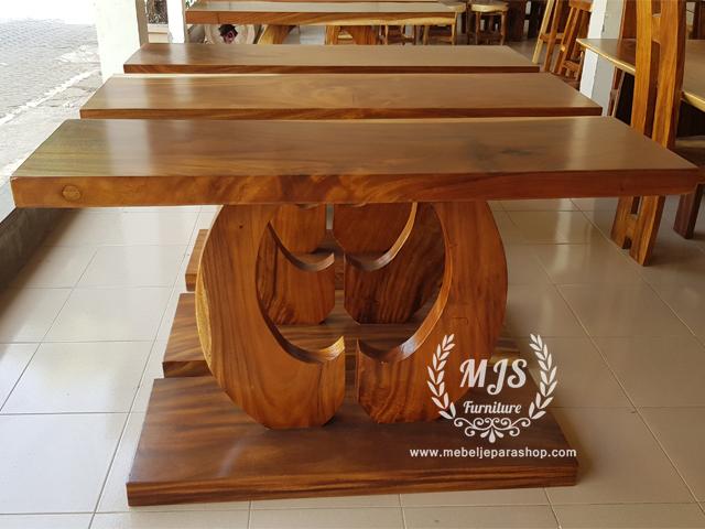 meja konsol kayu trembesi bulan