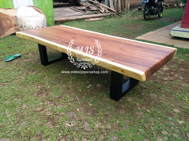 coffee table kayu suar trembesi kaki besi