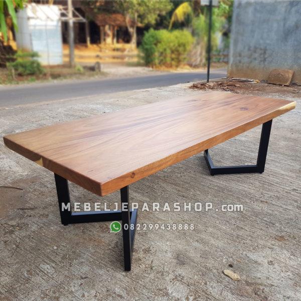 meja kayu trembesi minimalis modern kaki besi