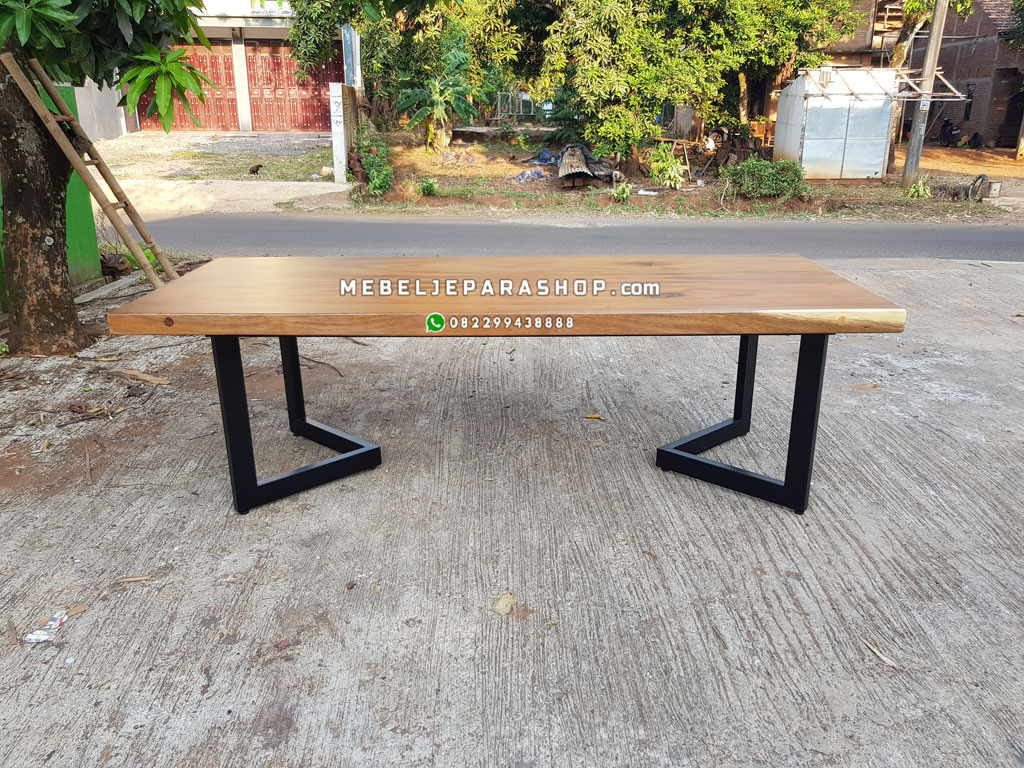 meja kayu solid trembesi minimalis kaki besi