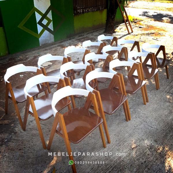 kursi cafe sandaran lengkung