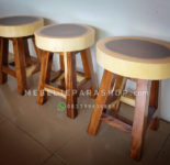 Kursi Cafe Stool Bundar Kayu Trembesi