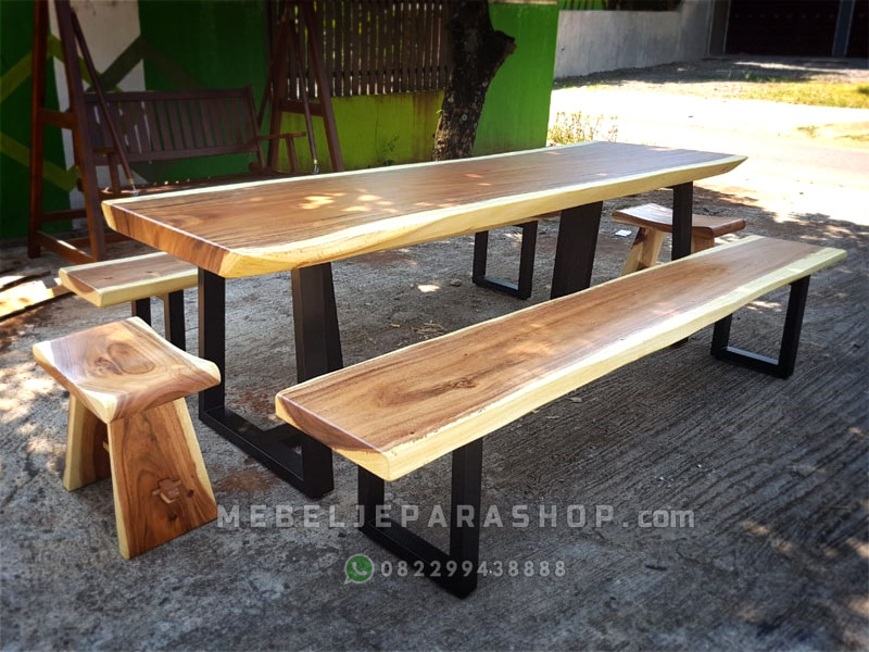 meja makan kayu solid kaki besi