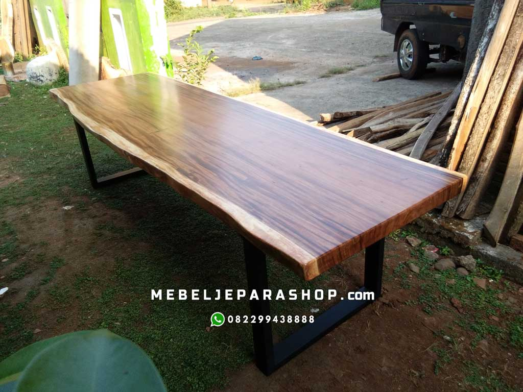 meja kayu suar trembesi kaki besi