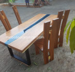 Meja Makan Kayu Solid Trembesi River