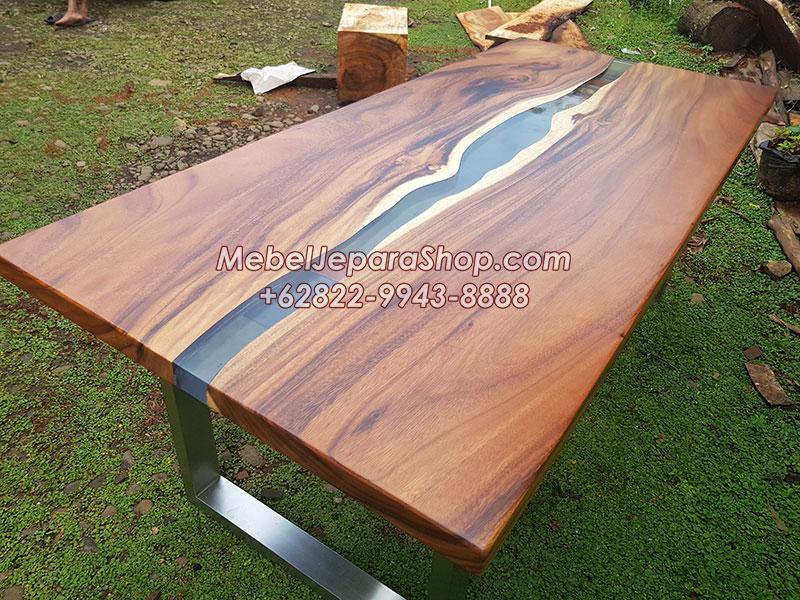 meja kayu trembesi kombinasi resin kaki stainless
