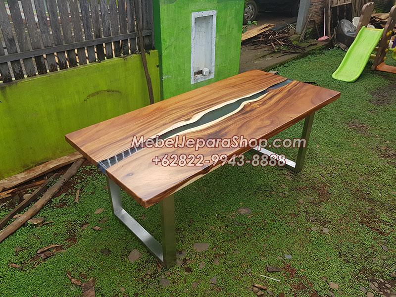 meja kayu trembesi kombinasi resin