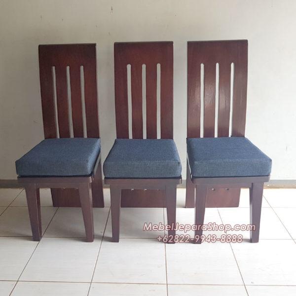 kursi makan trembesi salur