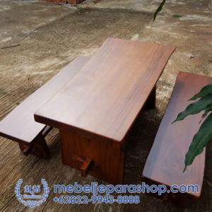 meja kayu trembesi murah