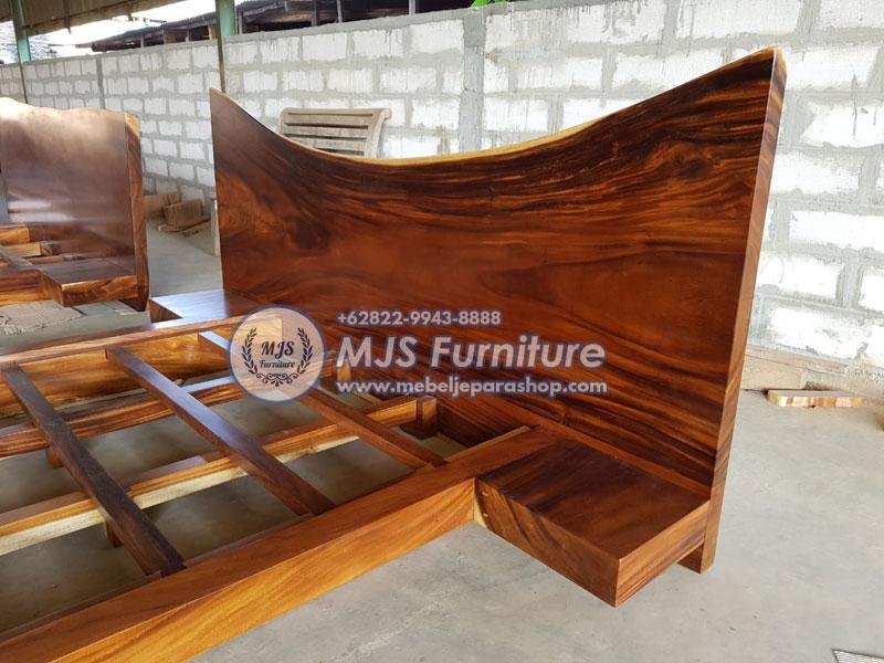 dipan kayu besar trembesi solid